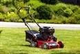 Kombimaskine til græsplænen