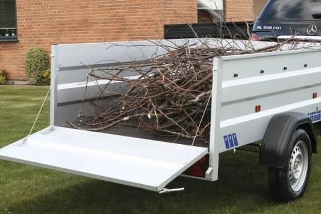 En ladkasse på hele 1,72 kubikmeter og en lasteevne på 600 kg gør den lille 220 XL til en sværvægter.