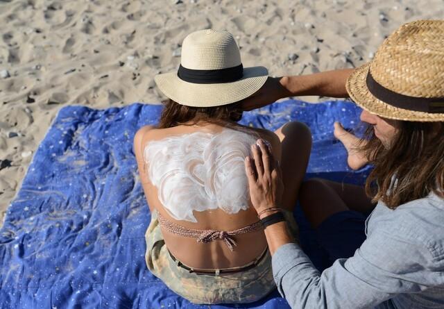 Flere danskere bliver solskoldet i ferien