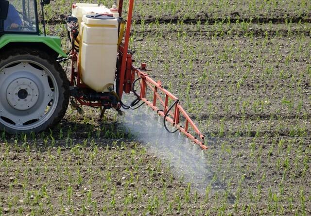 Tyve går efter landmændenes sprøjtemidler