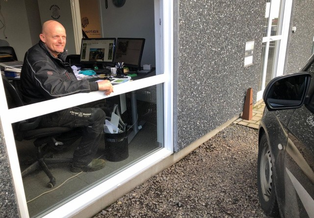 Drive-in-maskinsalg giver smil og sikker handel
