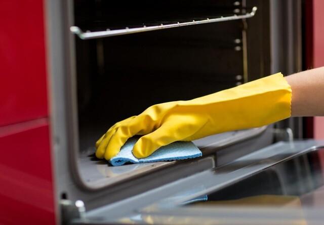 Sådan gør du nemmest din ovn ren