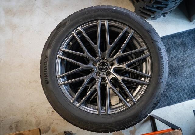 Vind nye dæk og fælge til bilen