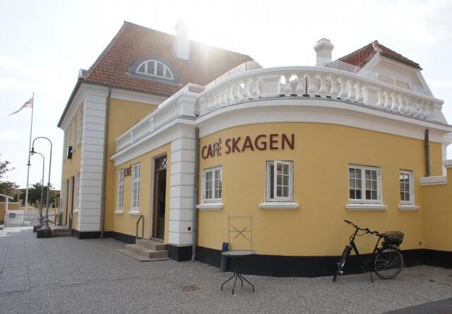 100 år gammel banegårdsbygning stråler igen