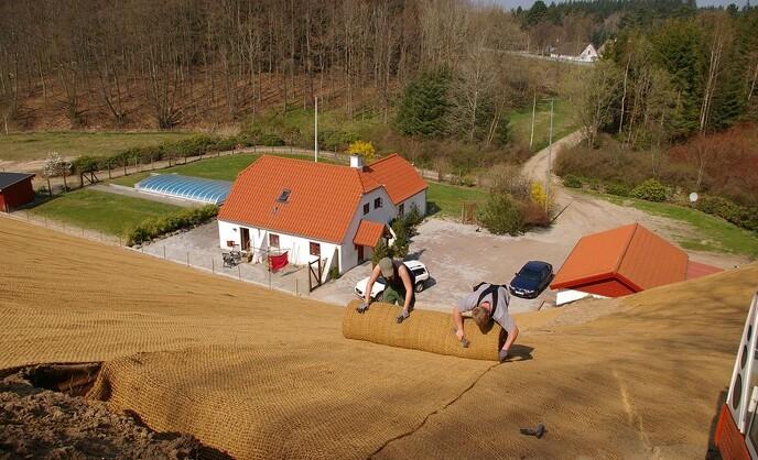 Græsarmering, permeabel belægning, bundsikring, ukrudtssikring og erosionssikring fra BG Byggros