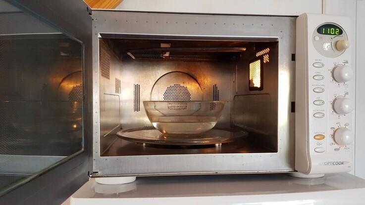 Smart trick: Sådan rengør du nemt en mikroovn