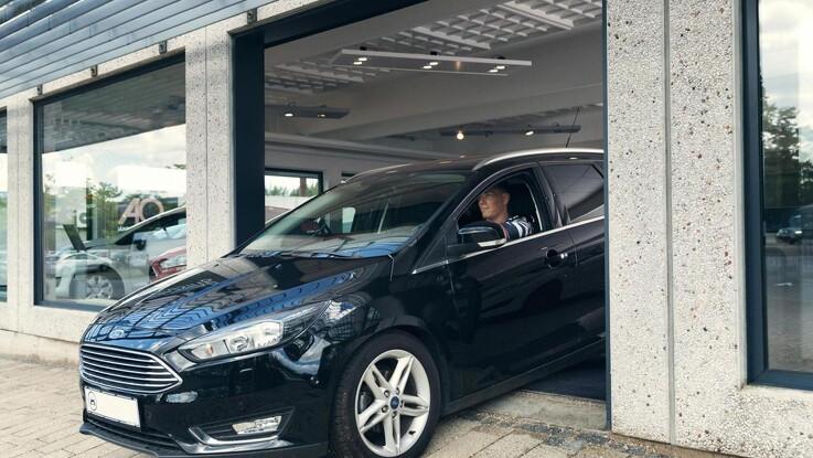FDM: Vent med at købe ny bil