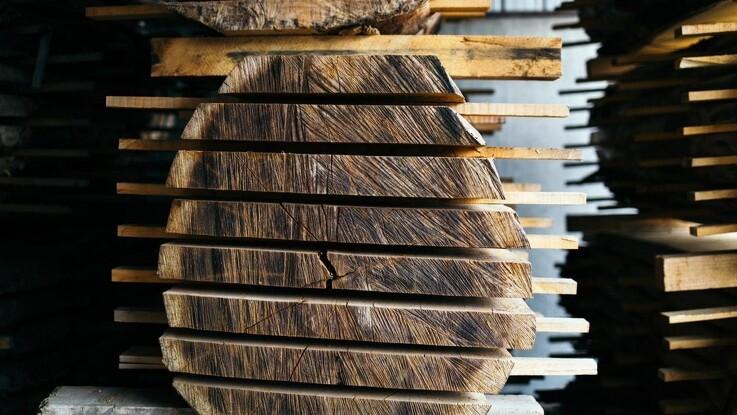Møbler af genbrugsmaterialer