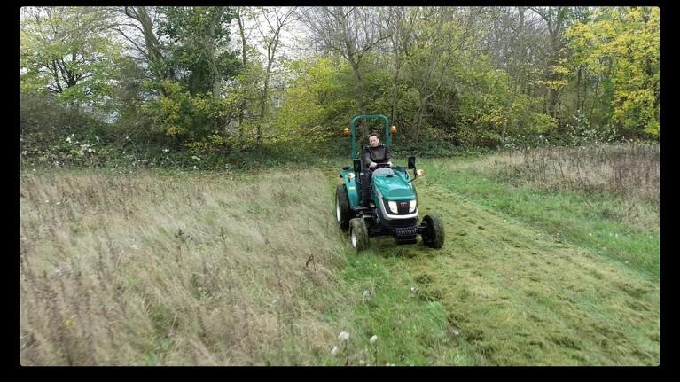 Lille traktor med stort overskud