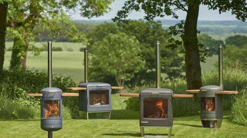 Kombineret grill og brændeovn til haven