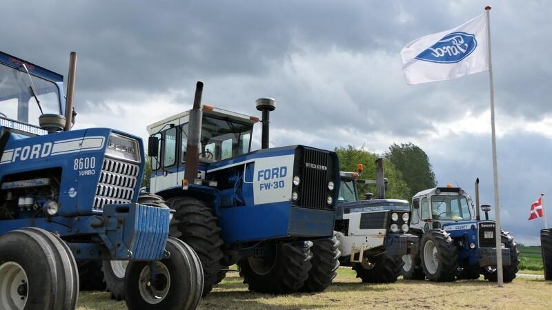 Stor succes for lille lokalt traktortræf i pinsen