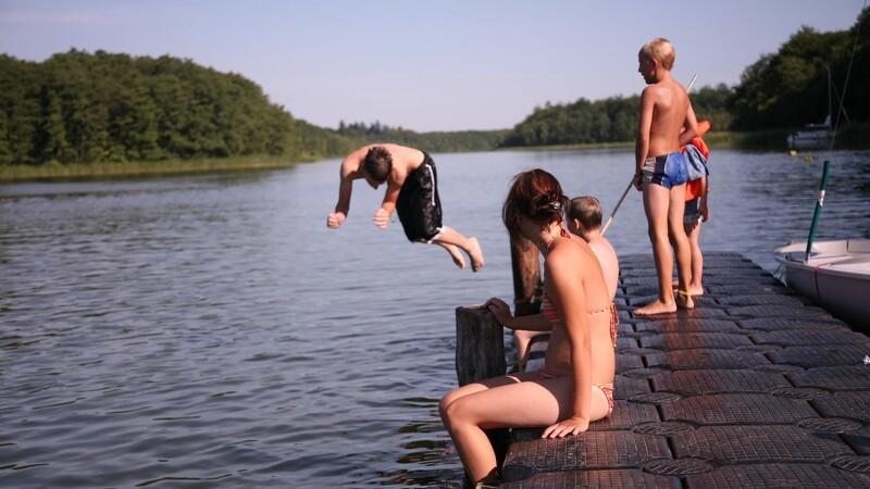 Du må næsten bade overalt - også nøgen