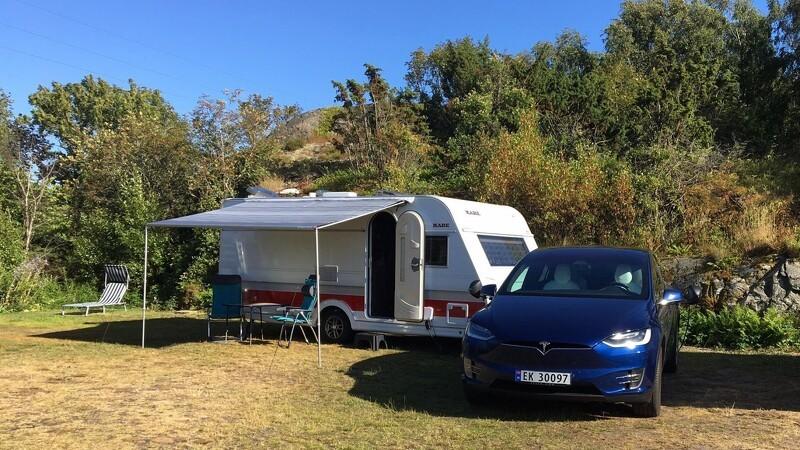 El-bil trækker campingvogn uden problemer
