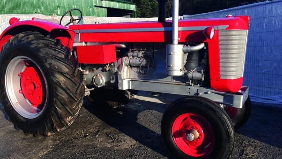 traktor til salg